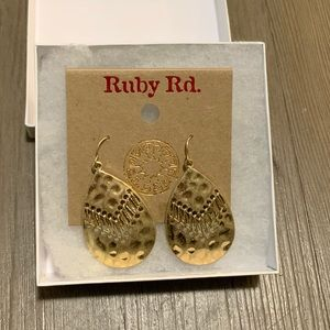 Ruby Rd gold solid teardrop earrings